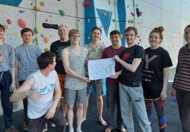 TEESSIDE UNIVERSITY CLIMBING CLUB TAKE ON EVEREST