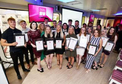 JOURNALISM STUDENTS RECEIVE AWARDS