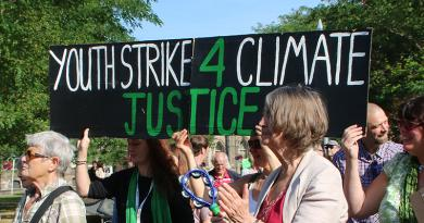 STUDENTS STRIKE IN MIDDLESBROUGH CALLS FOR CLIMATE ACTION