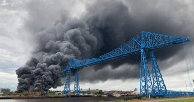 HUGE FIRE AT CAR SCRAPYARD SENDS PLUMES OF BLACK SMOKE ACROSS MIDDLESBROUGH